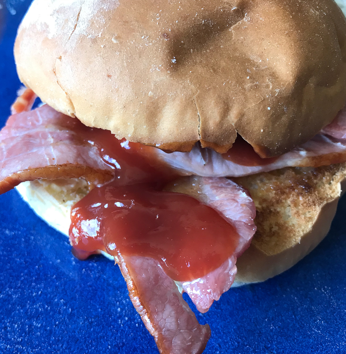 bacon-roll.